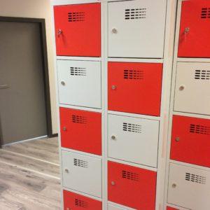 Personīgo lietu skapis ar 10 durvim SUS 425 W2 x 400 mm 202.80 € Kods PL214050-5 durvis dazadas krasas