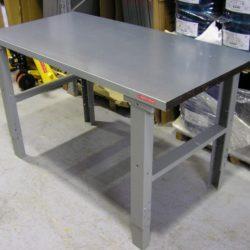 Metala galds ar regulejamu augstumu  81787