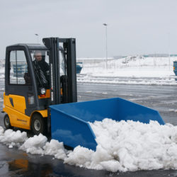 sniega-lapsta-un-smilsu-kauss-autoiekravejiem