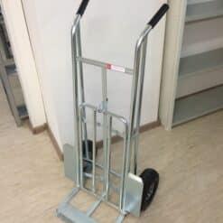Noliktavu-ratini-VK-24-pumpejami-gumijas-riteni-celtspeja-300-kg.jpg