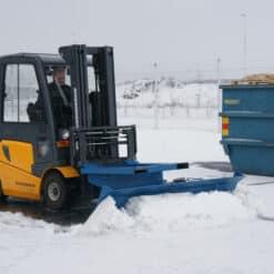 metala-sniega-skure-autoiekravejiem-6.jpg