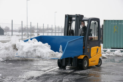 sniega-lapsta-un-smilsu-kauss-autoiekravejiem-2.jpg
